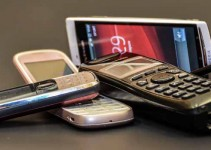 A collection of mobile phones. Image Credit: Irita Kirsbluma, via Flickr/CC